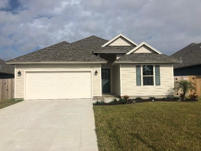 Rockport Single Family Home For Sale: 128 Shadow Moss