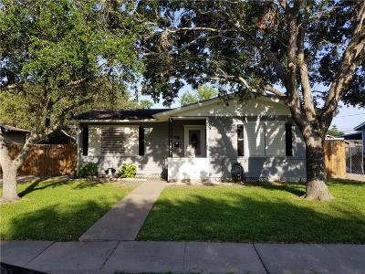 Single Family Home For Sale: 609 Pennington Dr