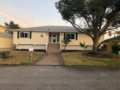 Rockport Single Family Home For Sale: 2 Pelican Dr