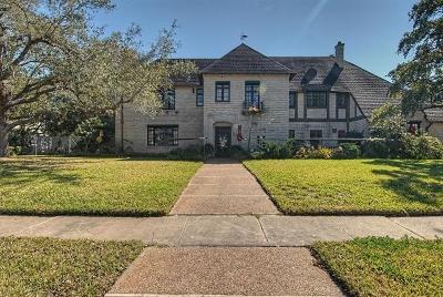 Corpus Christi Single Family Home For Sale: 235 Louisiana Ave