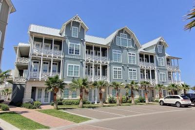 Port Aransas Condo/Townhouse For Sale: 140 Social Circle #3-204