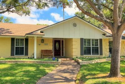 Corpus Christi Single Family Home For Sale: 4941 Greenbriar Dr