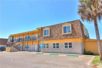 Port Aransas Condo/Townhouse For Sale: 700 Island Retreat #3