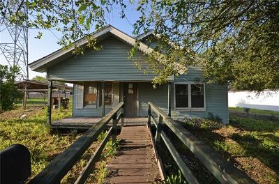 Kingsville Single Family Home For Sale: 214 W Huisache Ave