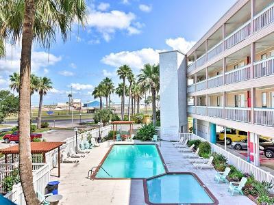 Corpus Christi Condo/Townhouse For Sale: 3938 Surfside Blvd #1111