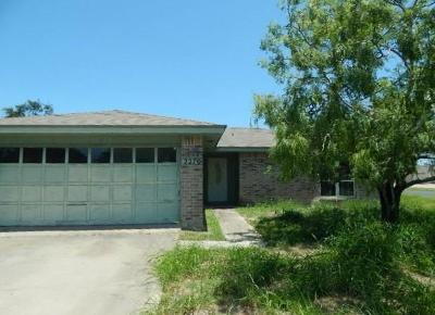 Single Family Home For Sale: 2270 Lombardy Dr
