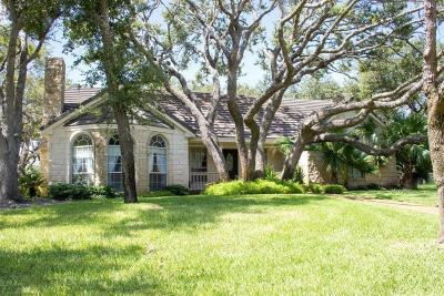 Rockport Single Family Home For Sale: 130 Peachtree