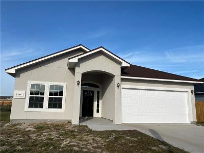 Aransas Pass Single Family Home For Sale: 760 Starboard Ct