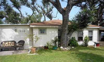 Rockport Single Family Home For Sale: 216 N Doughty St