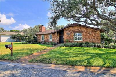Rockport Single Family Home For Sale: 2102 Crescent Dr