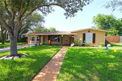 Robstown Single Family Home For Sale: 213 Kissling Ave