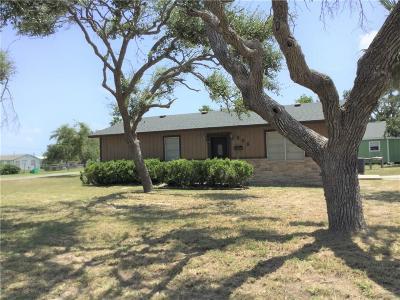 Aransas Pass Single Family Home For Sale: 858 Houston