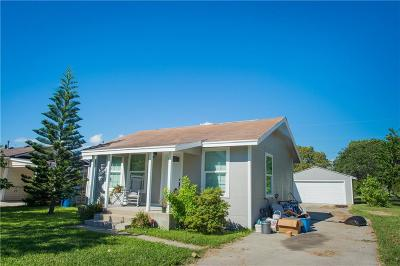 Single Family Home For Sale: 842 Greenbay Dr