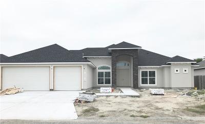 Single Family Home For Sale: 15813 Lindo