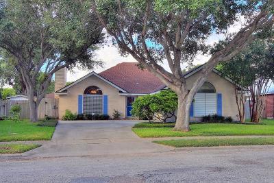 Corpus Christi Single Family Home For Sale: 4321 Holly Ridge Dr