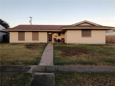 Portland Single Family Home For Sale: 106 Markham Pl