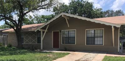 Kingsville Single Family Home For Sale: 1806 E Johnston Ave