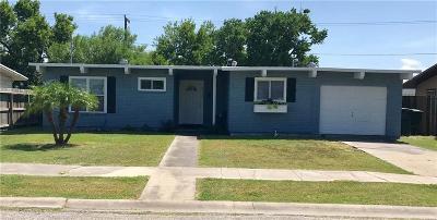 Corpus Christi Single Family Home For Sale: 4233 Jacquelyn Dr