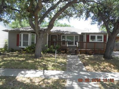 Corpus Christi Single Family Home For Sale: 715 Harrison St