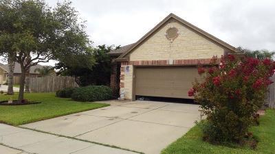 Corpus Christi Single Family Home For Sale: 2217 Cardinales