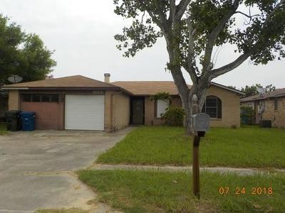 Corpus Christi Single Family Home For Sale: 9566 Waxwing St