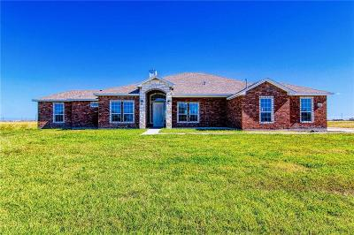 Corpus Christi Single Family Home For Sale: 2402 Shaftsbury Dr