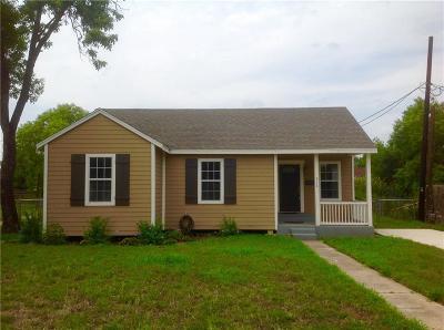 Kingsville Single Family Home For Sale: 916 N Lantana Dr