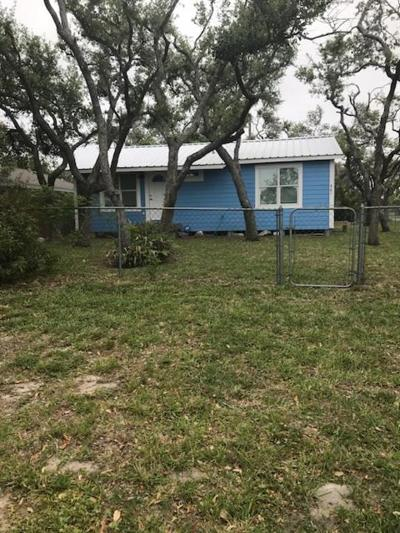 Aransas Pass Single Family Home For Sale: 561 S 12th St