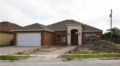 Single Family Home For Sale: 2706 Yeager Dr