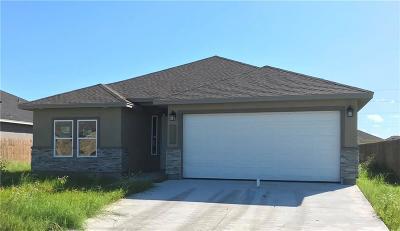 Single Family Home For Sale: 1613 Sea Oak Dr