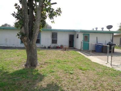 Single Family Home For Sale: 9858 Redbud Dr