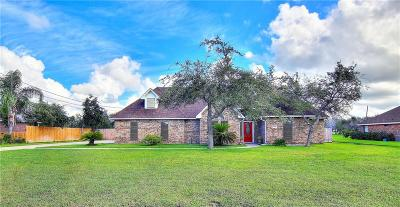 Aransas Pass Single Family Home For Sale: 1408 W Deberry Ave