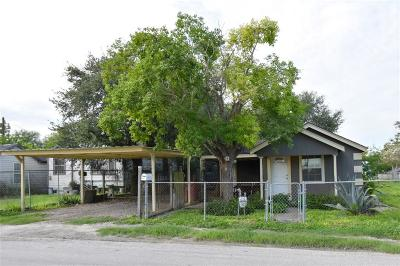 Robstown Single Family Home For Sale: 901 Nebraska St