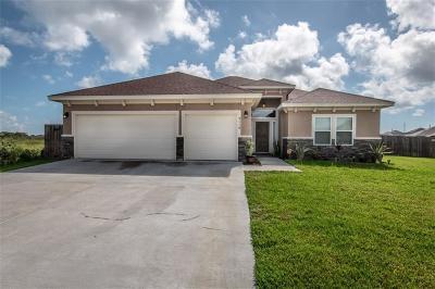 Corpus Christi Single Family Home For Sale: 2118 Oak Creek Cove