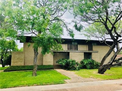 Corpus Christi Single Family Home For Sale: 245 Cape Hatteras Dr