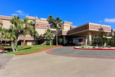 Corpus Christi Condo/Townhouse For Sale: 7477 State Hwy 361 #104