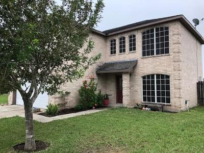 Kingsville Single Family Home For Sale: 2109 Brook Lane