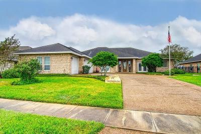Single Family Home For Sale: 21 W Bar Le Doc Dr
