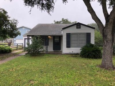 Kingsville Single Family Home For Sale: 718 W Avenue A