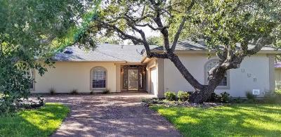 Rockport Single Family Home For Sale: 109 Royal Oaks Dr
