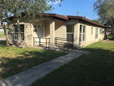 Kingsville Single Family Home For Sale: 530 W Doddridge