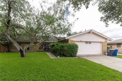 Corpus Christi Single Family Home For Sale: 3925 Wickersham St