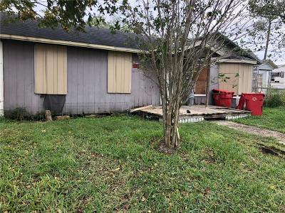 Robstown Single Family Home For Sale: 322 W Avenue B