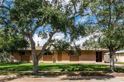 Corpus Christi Single Family Home For Sale: 506 Evergreen Dr