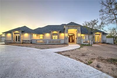 Single Family Home For Sale: 5776 Grand Lakes Circ