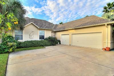 Aransas Pass Single Family Home For Sale: 814 S Bay St