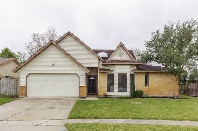 Corpus Christi Single Family Home For Sale: 13737 Steamboat Lane