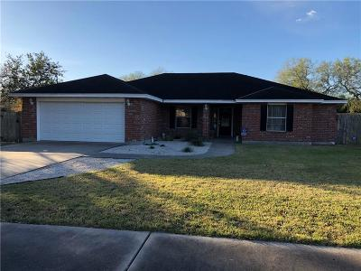 Kingsville Single Family Home For Sale: 201 Reidda Dr
