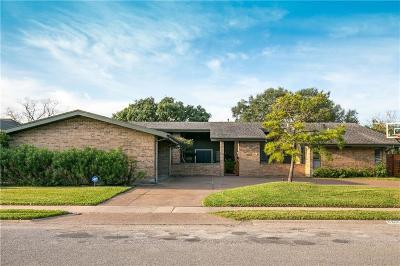 Corpus Christi Single Family Home For Sale: 5305 Saint Andrews Dr