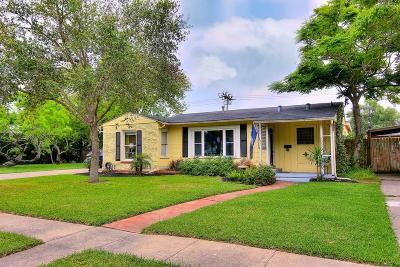Corpus Christi Single Family Home For Sale: 305 Primrose Dr